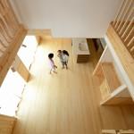 回り廊下から見たリビング横 (2)